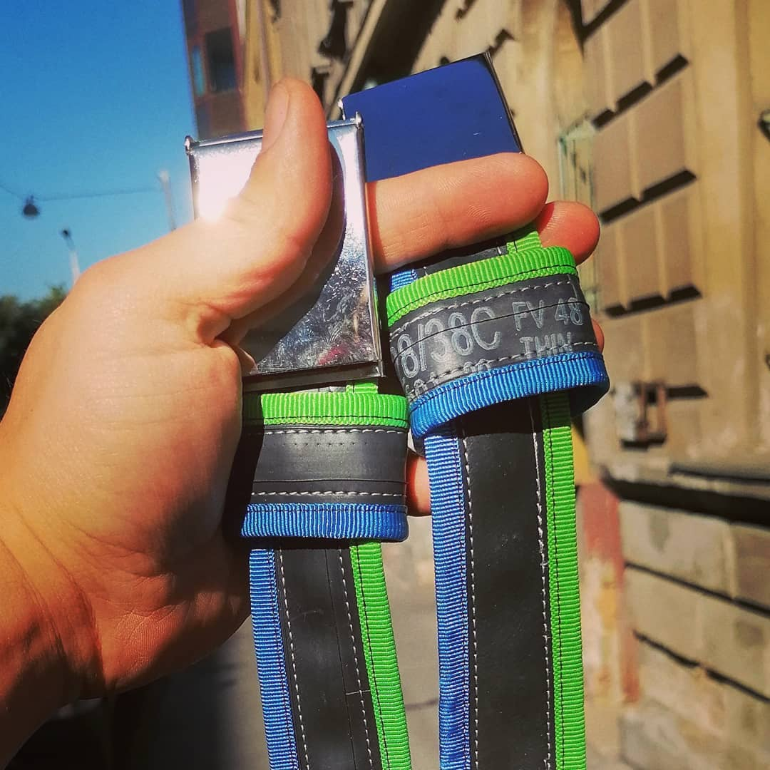 Recycled belts with unique colors
